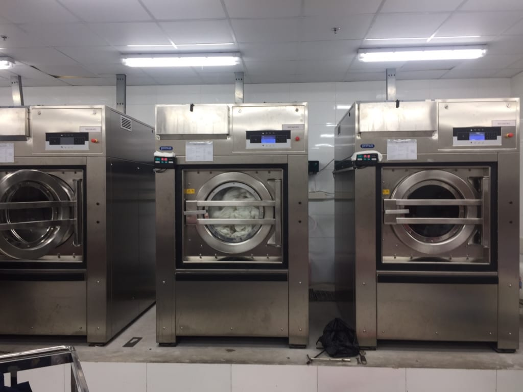 Giá máy giặt công nghiệp 100kg