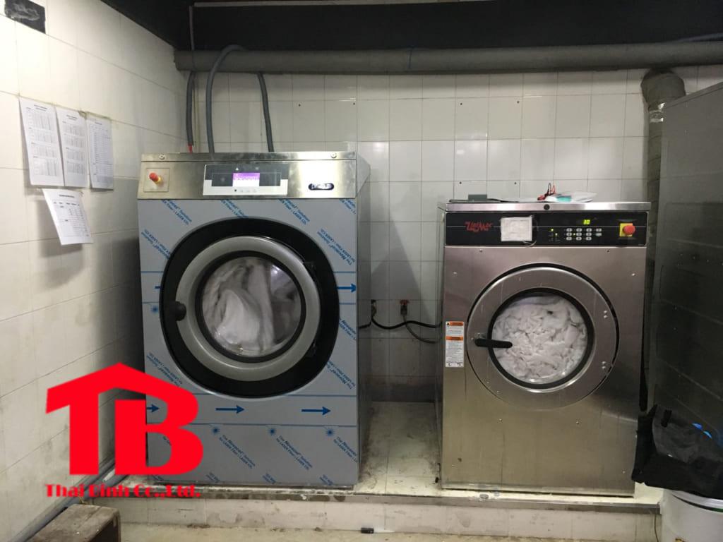 Máy giặt chăn công nghiệp 25kg