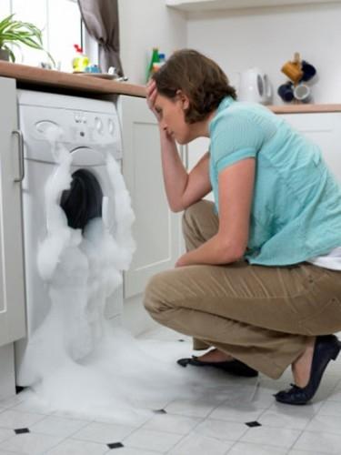 bọt xà phòng trong máy giặt