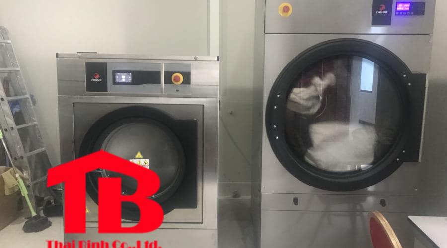 Báo giá máy giặt công nghiệp 50kg cho nhà hàng- khách sạn